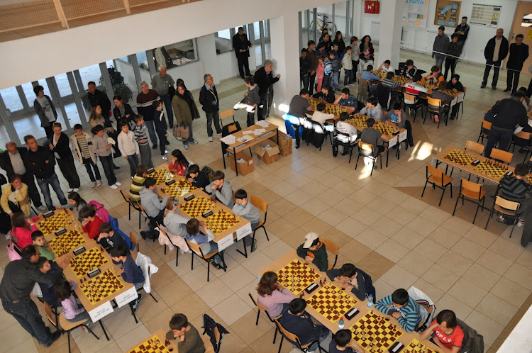 Chess league in Karpos